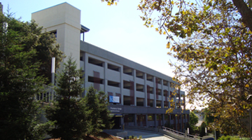 Image of Alta Bates Summit Medical Center Parking Structure
