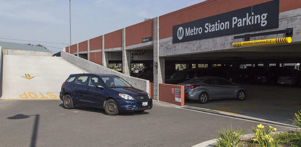 Slideshow image for Metro Gold Line Arcadia Station Parking Structure